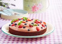 nøtte-bunn-sjokolade-kake-bær