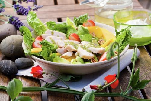 salat-med-lettsaltet-kylling