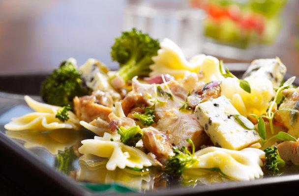 pasta-brokkoli-farfalle-norzola