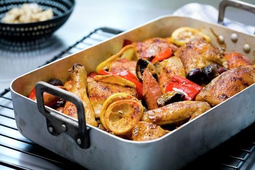 Bakt-kylling-med-chorizo-sitron-og-oliven