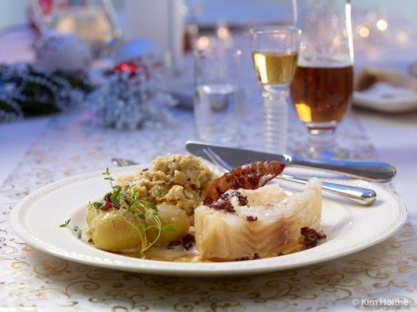lutefisk-med-tradisjonelt-tilbehor