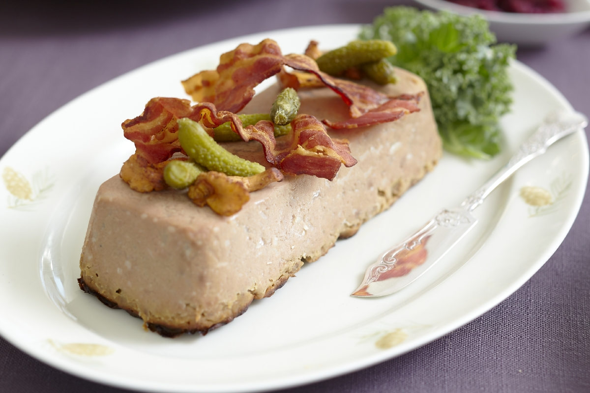 lever-postei-bacon-kantarell