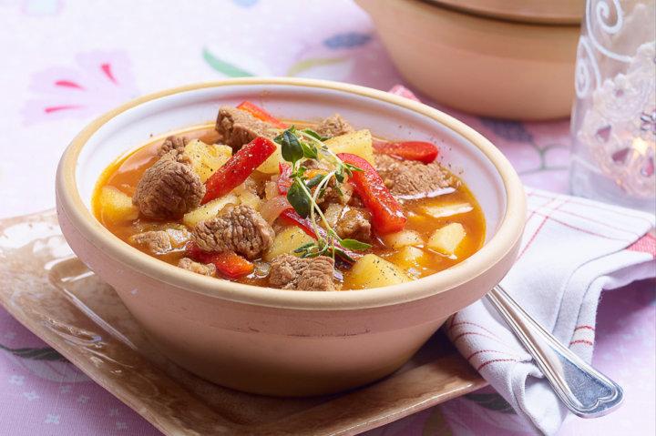 gulasj-suppe-gryte