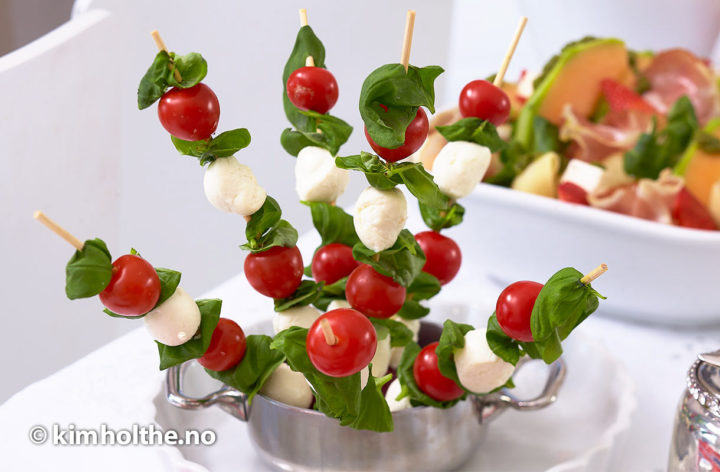 mozarella-tomat-basilikum