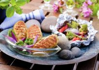 kyllingburger-tropisk-salat