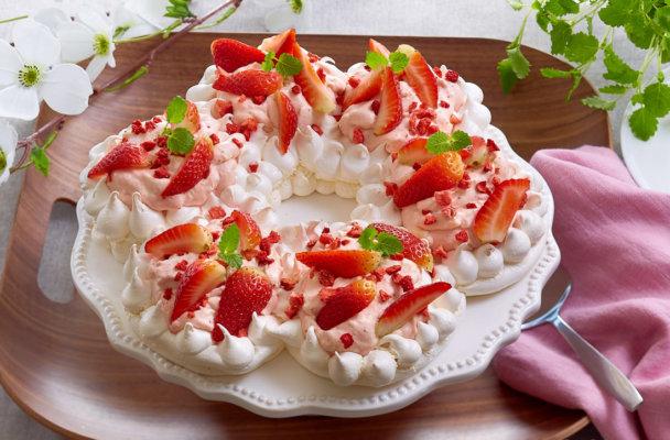 pavlova-krans-jordbær